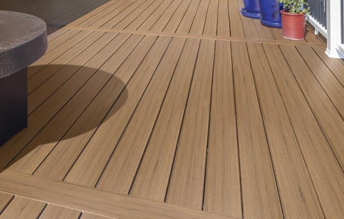 Wood look composite decking